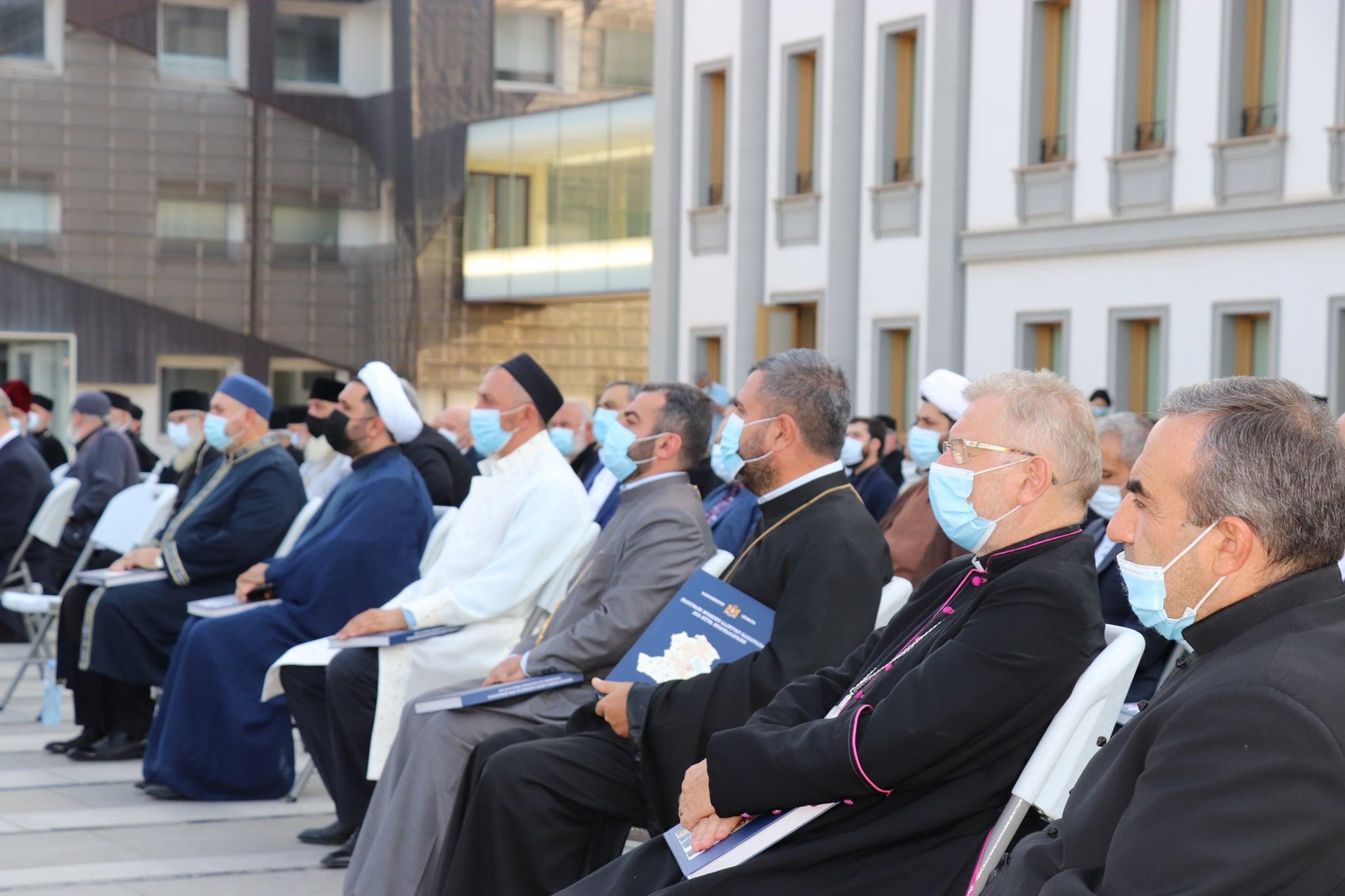 Предводитель епархии ААЦ в Грузии участвовал в  презентации альбома «Культовые сооружения, действующие в Тбилиси, по состоянию на 2020 год»